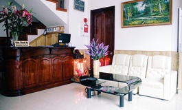Tuyet Son Hotel