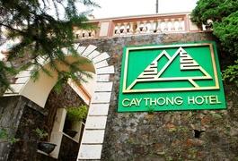 Khách sạn Cây Thông