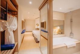 Khách sạn Le's Cham