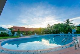 CAPITAL O 1078 Sun & Sea Resort Huế