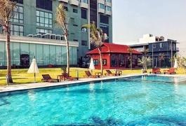 Khách sạn Central