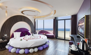 V Hotel Nha Trang