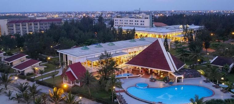 Khách sạn Centara Sandy Beach Resort Danang
