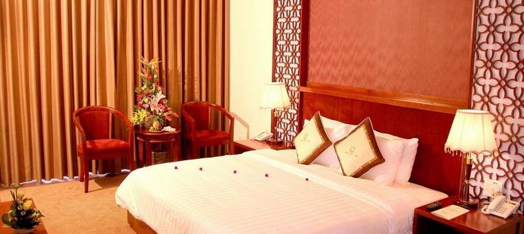 Khách sạn Century Riverside Hue