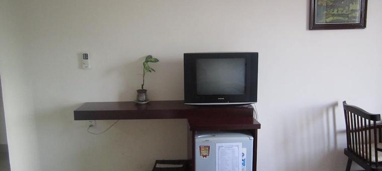 Khách sạn Nhiet Doi Hotel