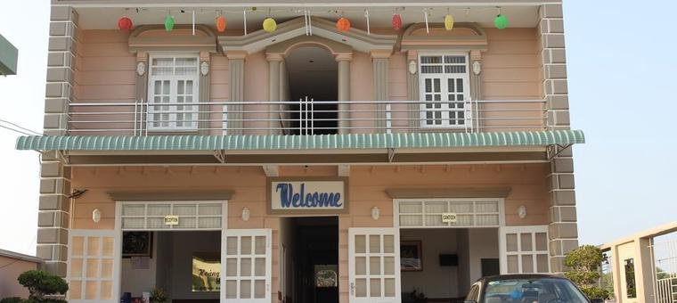 Khách sạn Hoang Chanh Tri Hotel
