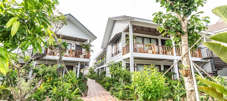Khách sạn Cottage Village