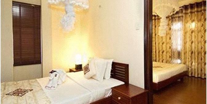 Khách sạn Long Life Riverside Hotel