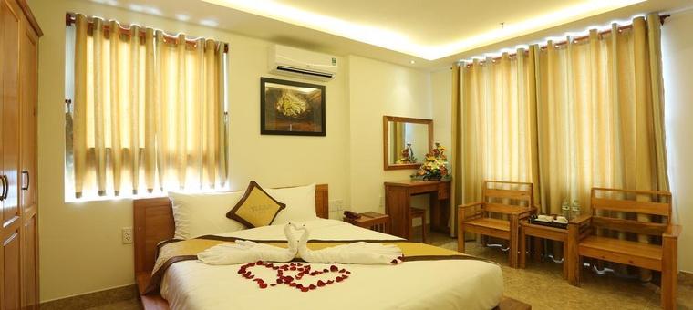 Khách sạn Titan Hotel & Apartments