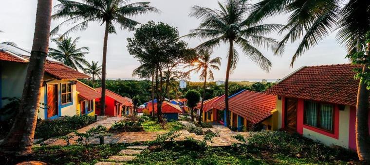Khách sạn Hillside Village Resort