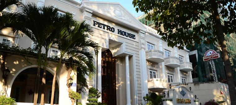 Khách sạn Petro House Hotel