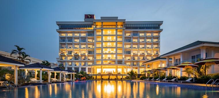 Khách sạn Gold Coast Hotel Resort & Spa