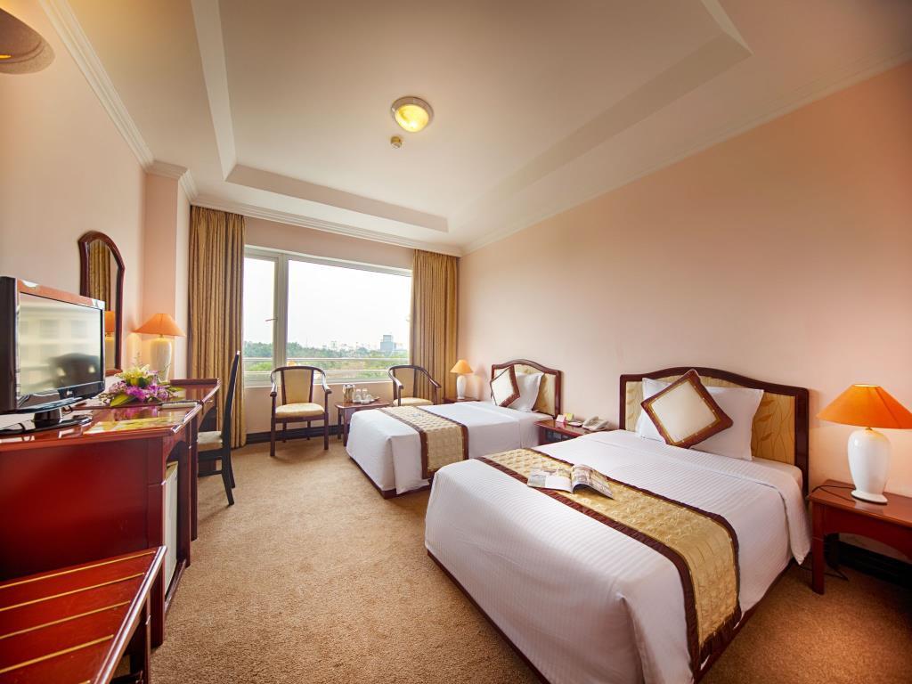 Muong Thanh Grand Phuong Dong Hotel
