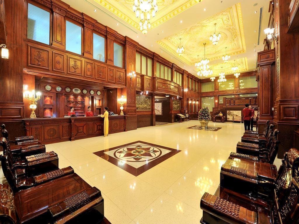 Khách sạn New Pacific