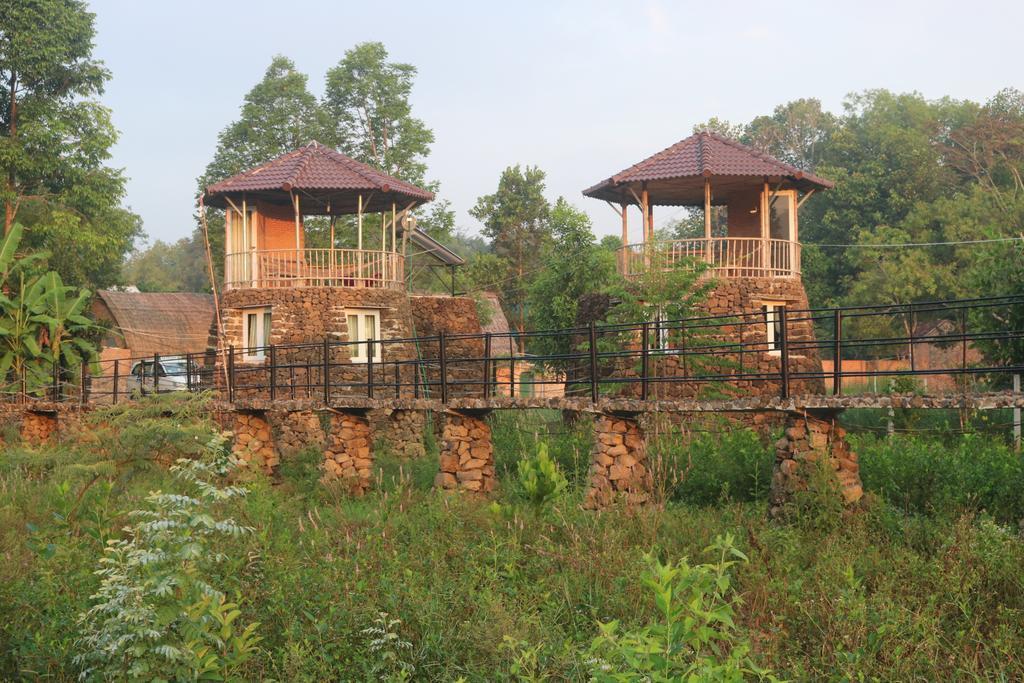 Lava Rock Viet Nam Lodge
